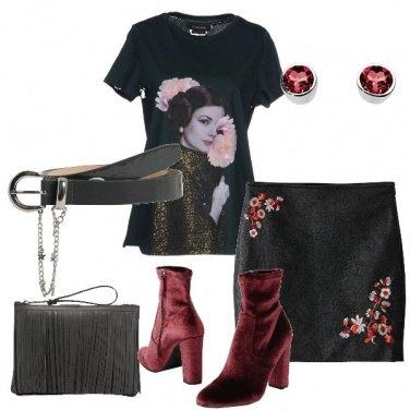 Outfit Minigonna e t-shirt con stampa