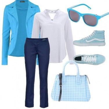 Outfit Gita fuoriporta nei toni del blu