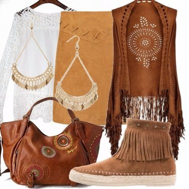 Outfit Bianco, frange e ricami