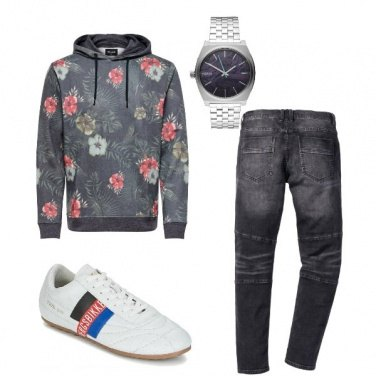 Outfit Felpa a fiori