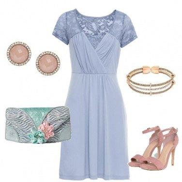 Outfit Romantica in azzurro e rosa