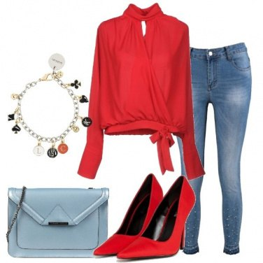 Outfit Jeans e blusa rossa