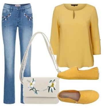 Outfit Jeans con ricami