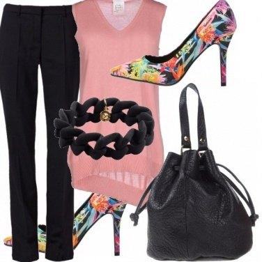 Outfit Rosa nero e...