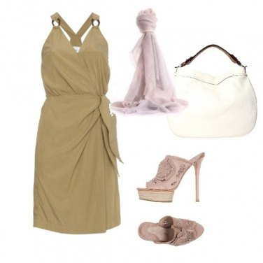 Outfit Rosa e sabbia