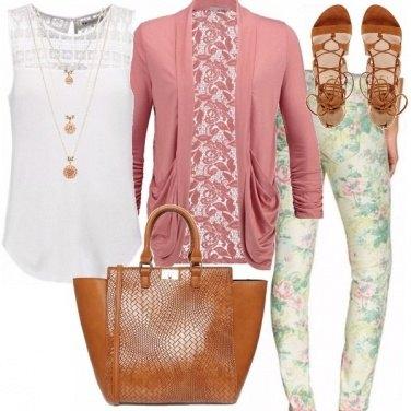 Outfit Pantalone floreale