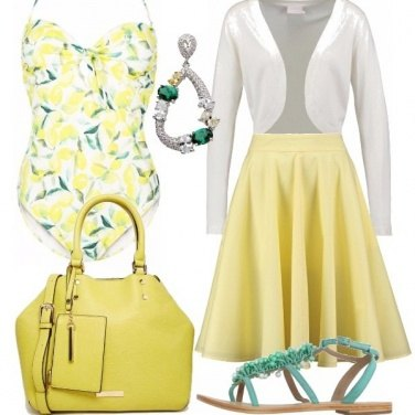 Outfit Lady al mare