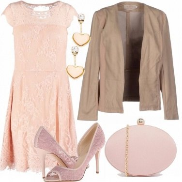 Outfit Pizzo rosa pallido