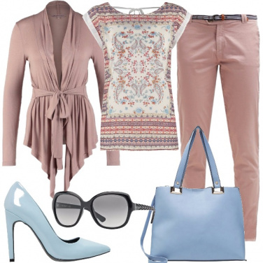 Outfit Pantalone maschile colore femminile