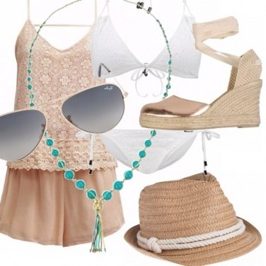 Outfit Boho style in spiaggia