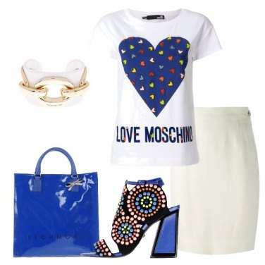 Outfit Gonna a tubino con t-shirt