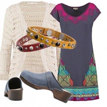 Outfit Con un look folk
