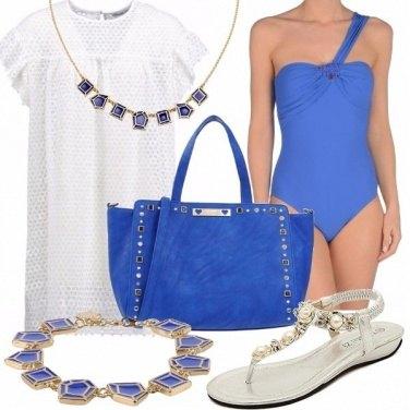 Outfit Ilaria un tuffo nel blu