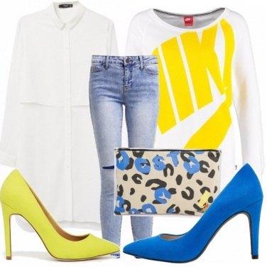 Outfit Felpa, chemisier e tacchi altissimi!
