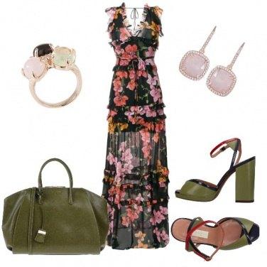Outfit Il verde militare si sposa con il rosa