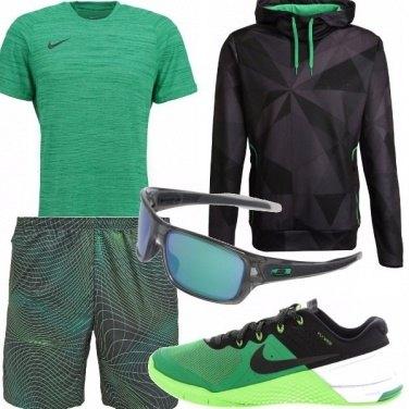 Outfit L\'uomo sportivo ha sempre il suo fascino