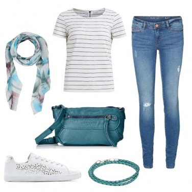 Outfit Stripes and green