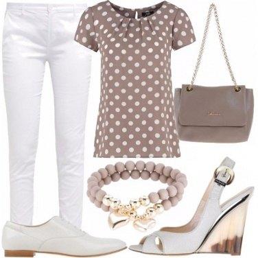 Outfit Pretty woman in pantaloni