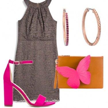 Outfit Invitata con farfalla