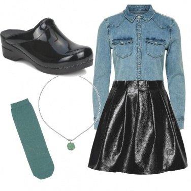 Outfit Clogs e Dettagli Verdi