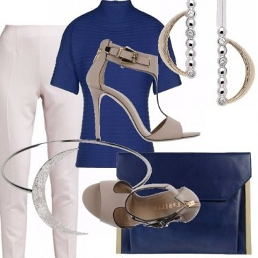 Outfit Minimal in snorkel blue