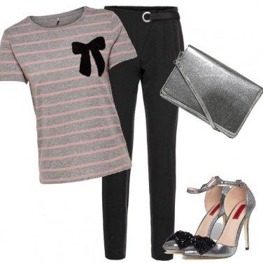 Outfit Silver e fiocco nero