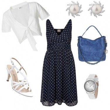 Outfit Pois bianco e blu