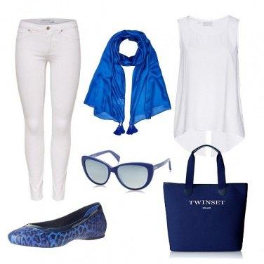Outfit Bianco e blu basic