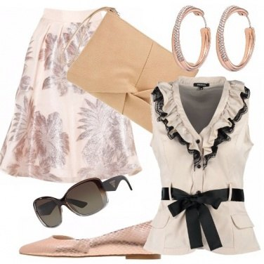 Outfit Elegante in chiaro