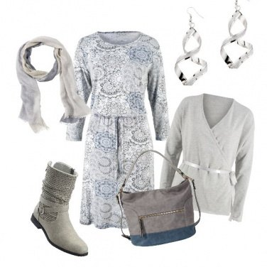 Outfit Basic in colori tenui