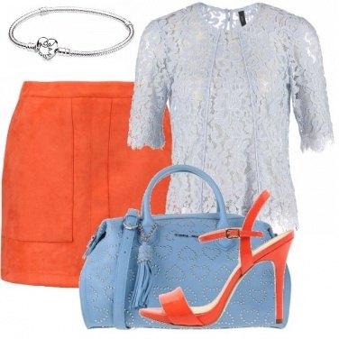 Outfit Arancione e azzurrino