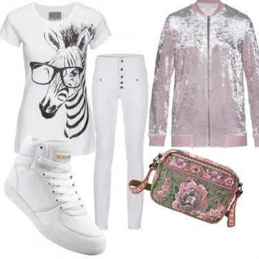 Outfit In bianco e rosa
