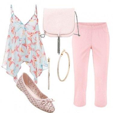 Outfit Top con scollo a V