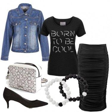 Outfit T-shirt e tubino