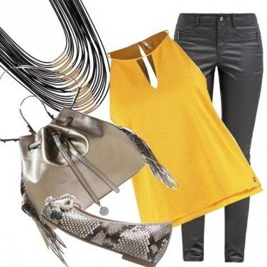 Outfit Giallo e argento