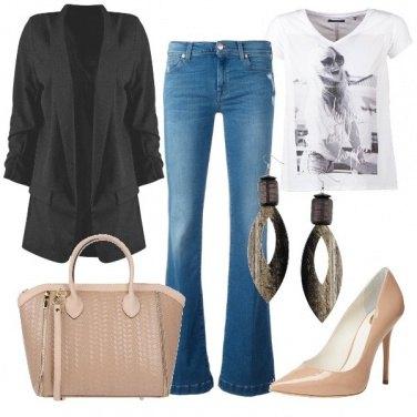 Outfit T-shirt e blazer