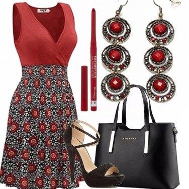 Outfit Abito femminile e tacco