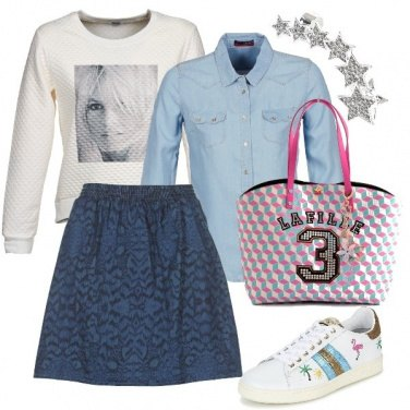 Outfit In sneakers con la gonna