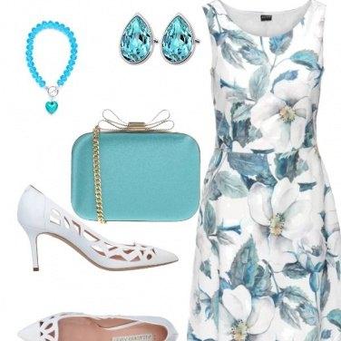 Outfit Invitata con fiori