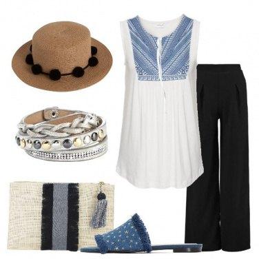 Outfit Blusa bianca a fantasia