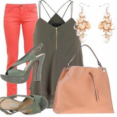 Outfit Arancio e verde militare