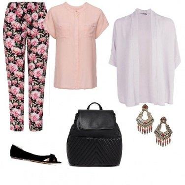 Outfit Fiori e zaino