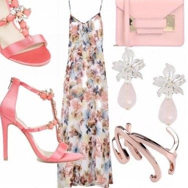 Outfit Abito lungo e sandalo gioiello