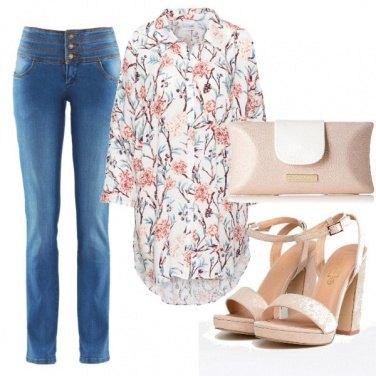 Outfit Romantica con la camicia a fiori