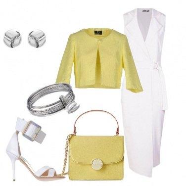 Outfit Chic in bianco e giallo chiaro