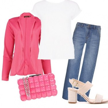 Outfit In rosa e jeans