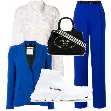Outfit In ufficio in blu..