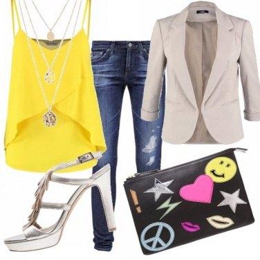 Outfit Un po\' donna un po\' teenager!