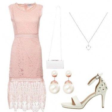 Outfit Sandali con fiori