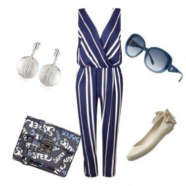 Outfit La tuta bianca e blu